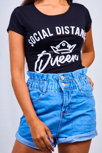 Black Social Distance Queen Slogan Tee