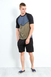 Black Three-Tone Raglan Sleeve Shorts Set