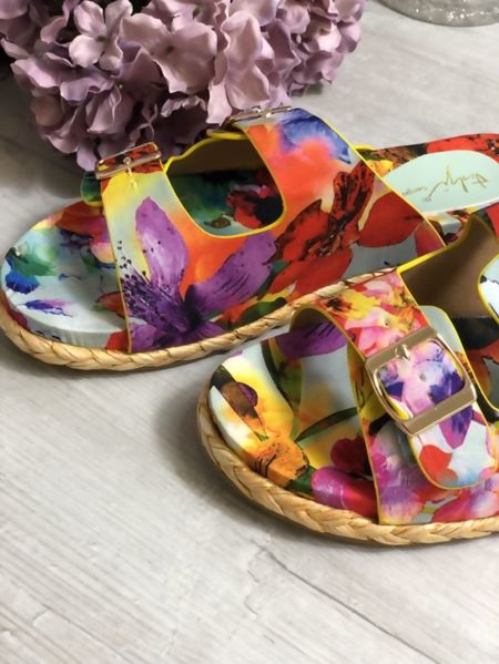 Floral Print Buckle Straw Sole Sandals