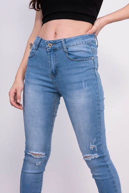 Light Washed Frayed Hem Skinny Jeans