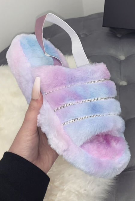 Tie Dye Fluffy Diamante Detail Stripe Slipper