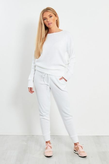 White Lounge Wear Knitted Set