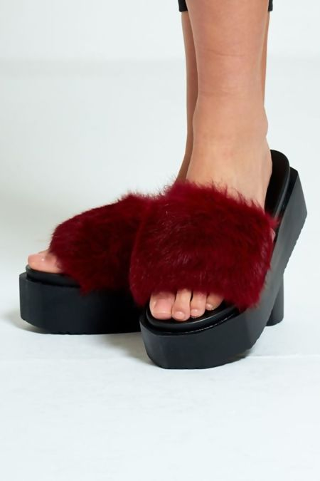 Wine Real Fur Platform Slider