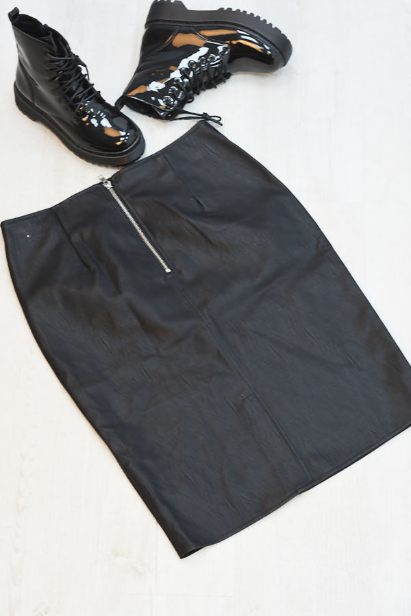 Black Zipped PU Pencil Skirt