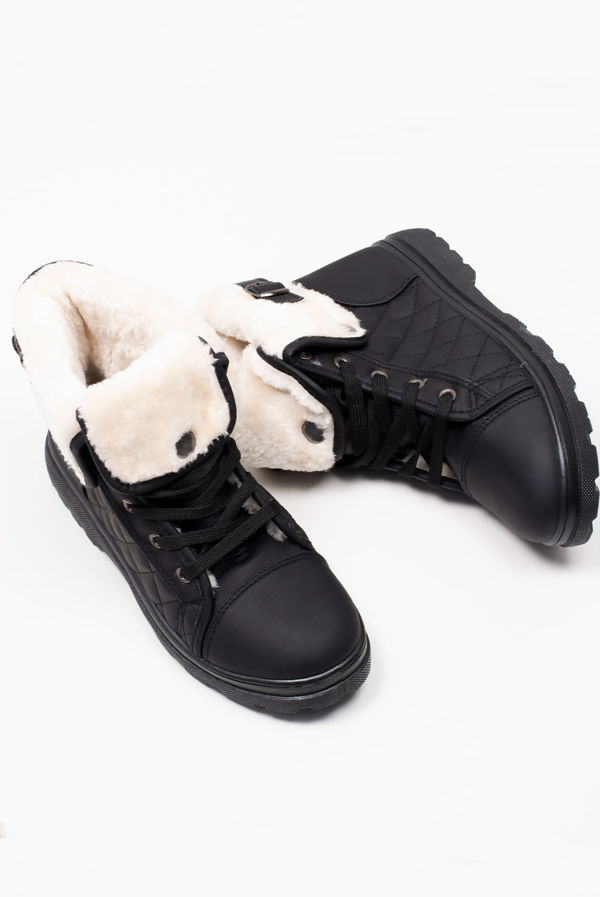 Black Lace Up Quilted Fur Boots
