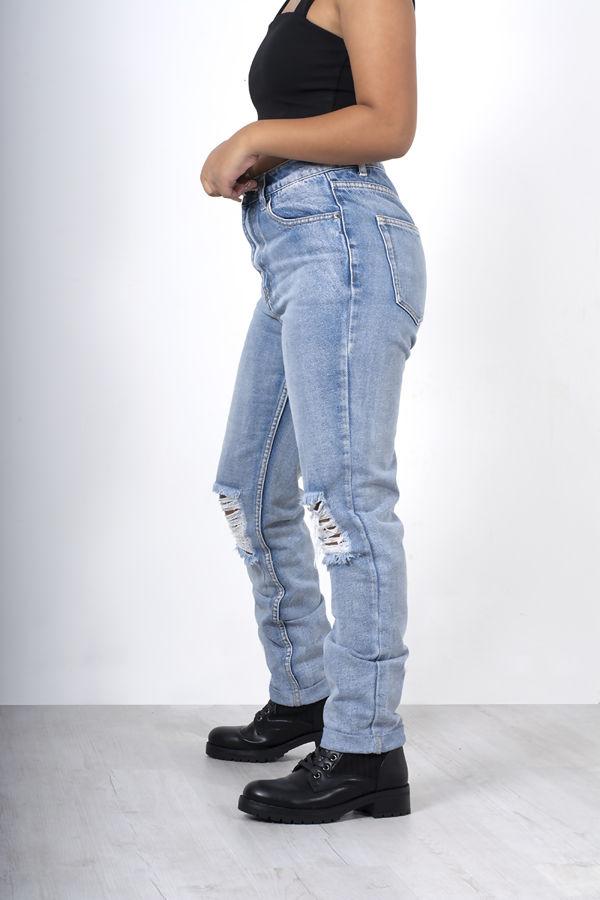 Light Blue Wash Knee Rip Mom Jeans