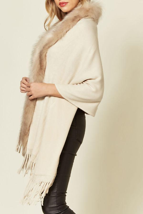 Faux Fur Trim Knit Tassel Cape