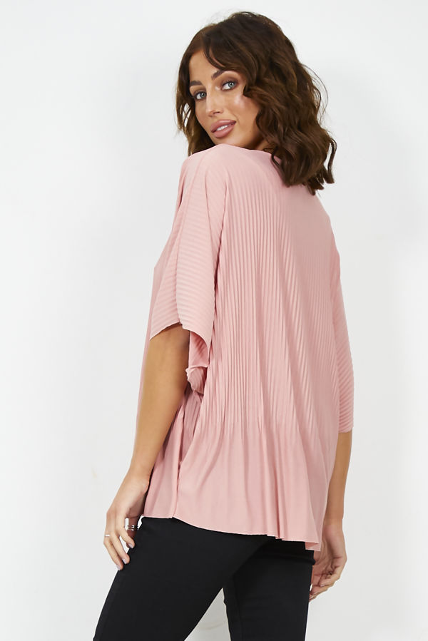 Pleated Swing Necklace Top