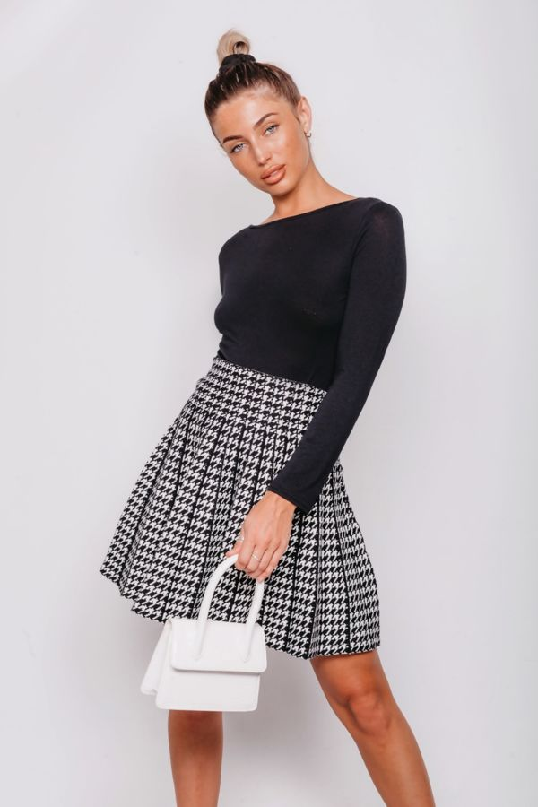 White And Black Printed Flare Skater Skirt