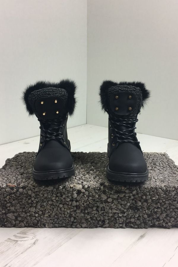 Black Faux Fur Grip Soul Boots