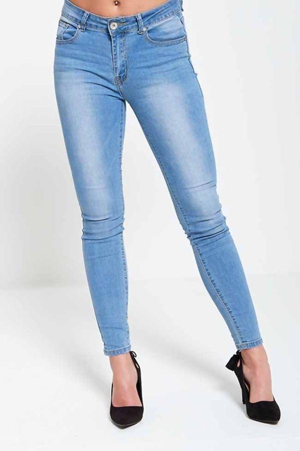 Plus Size Light Denim Curve Jeans